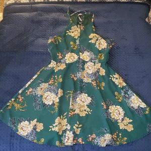 Green floral dress l
